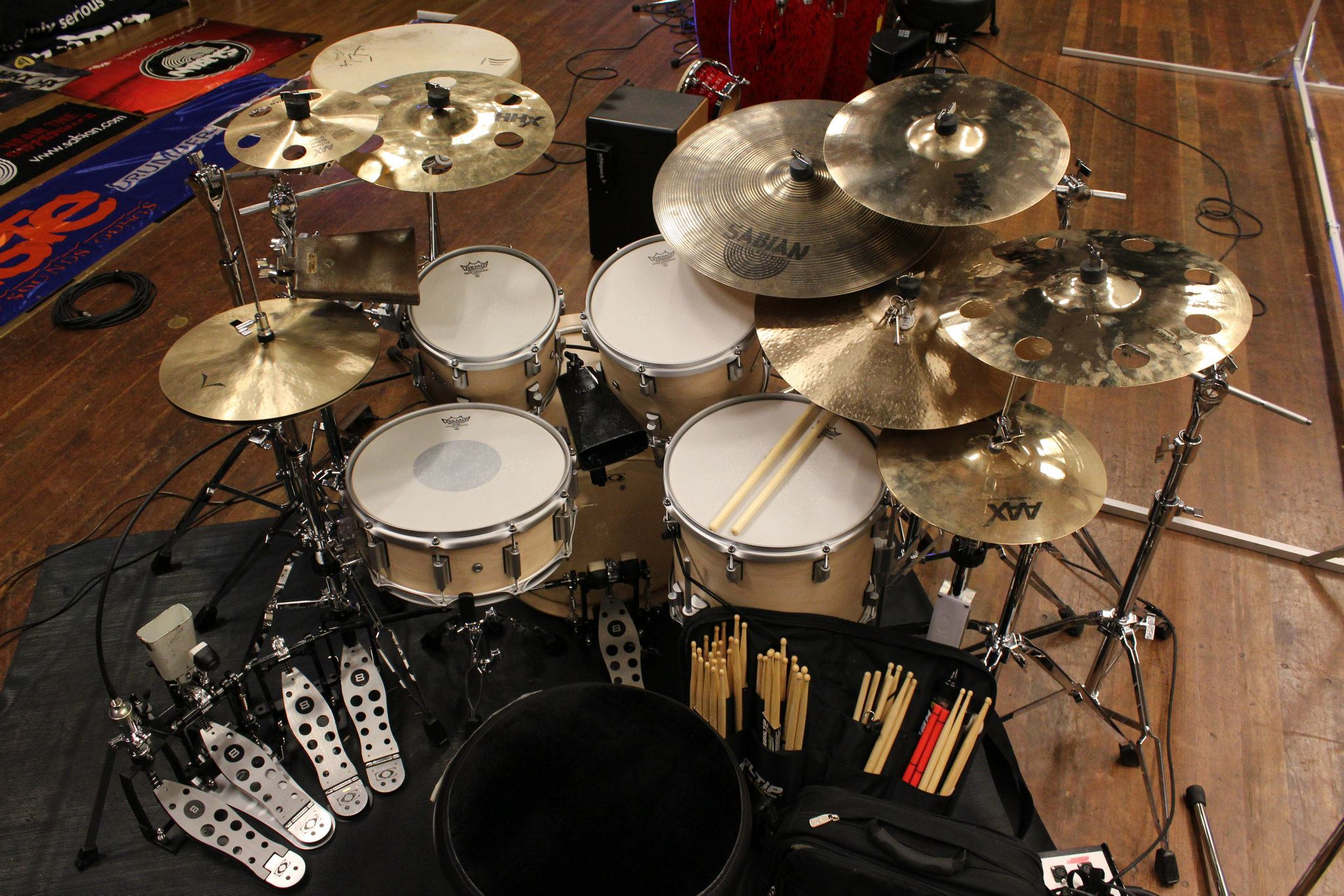 Full Latin kit set up