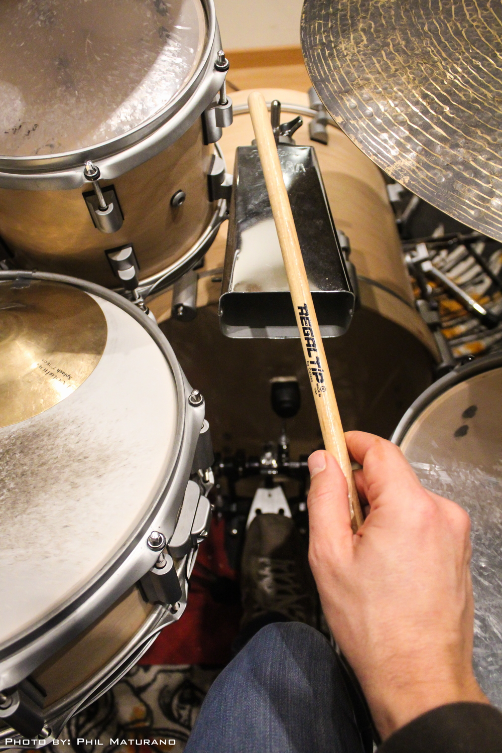 Timbal sticks on Drumkit